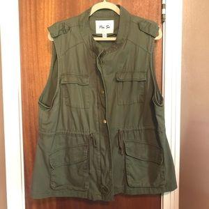 Army green cargo vest.